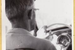 Det var før, jeg fik kørekort, så det var far ved rattet. Som man kan se, var det også før sikkerhedsselerne...!