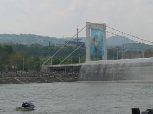 erzebeth-broen med springvand - reduceret og beskåeret